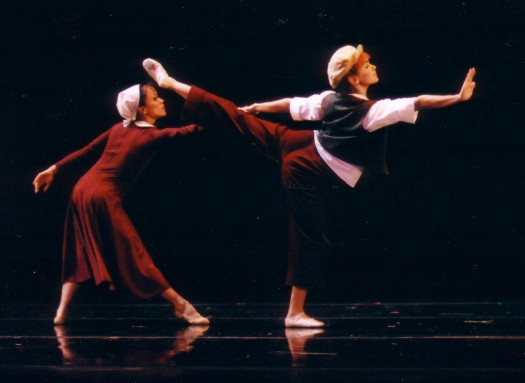 Widow and son dance, Leticia Guerrero and Emily Bromberg, The Widow's Broom, photo by Thomas Nola-Rion, 400 dpi