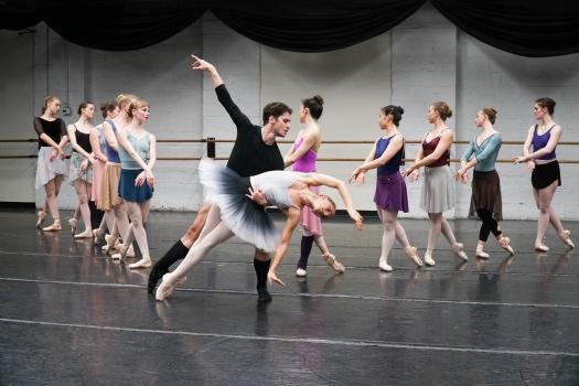 Eugenia Vinovieva João Sampaio Festival Ballet Providence Swan Lake